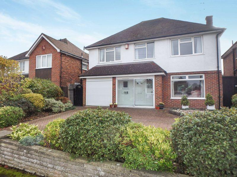 4 Bedrooms Detached House for sale in Fairfax Avenue, Epsom