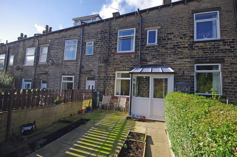 3 Bedrooms Terraced House for sale in 13 Cleveleys Avenue, Sowerby Bridge