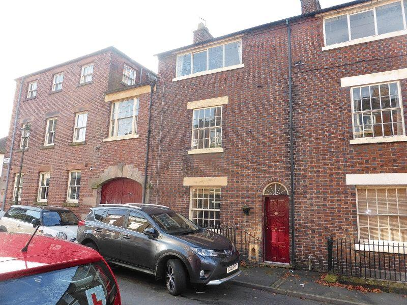 4 Bedrooms Terraced House for sale in King Street, Leek