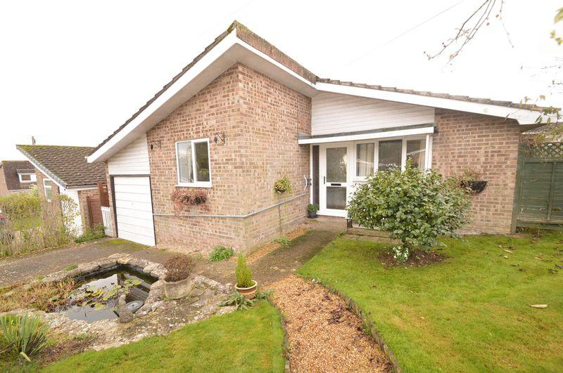 3 Bedrooms Bungalow for sale in Wootton, PO33 4JF