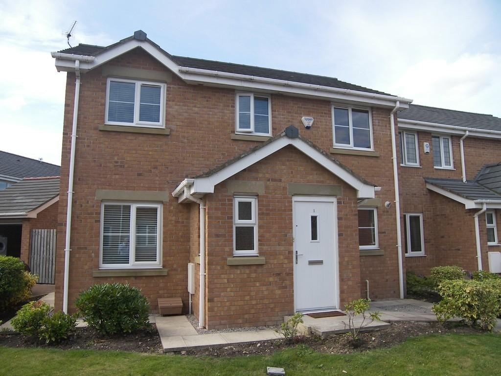 3 Bedrooms Semi Detached House for sale in Burnham Place, Lytham Quays