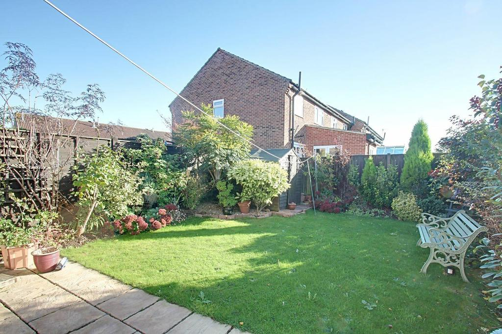 3 Bedrooms End Of Terrace House for sale in Northwold Avenue, West Bridgford, Nottinghamshire