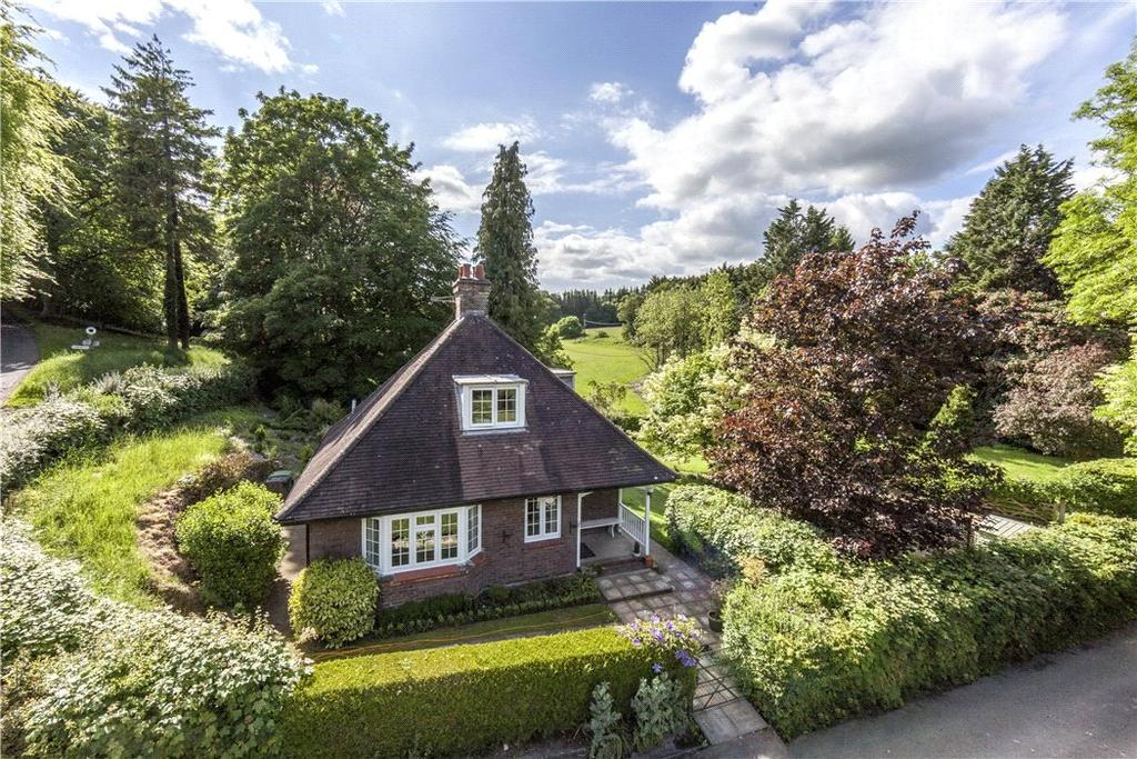 3 Bedrooms Detached House for sale in Dunley, Whitchurch, Hampshire, RG28