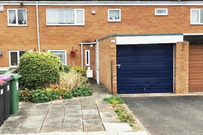 3 Bedrooms Terraced House for sale in 132 Briarwood, Brookside, Telford, Shropshire, TF3 1TY