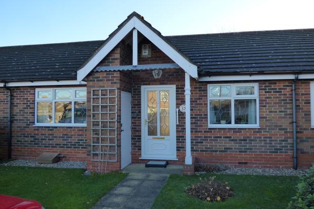 2 Bedrooms Bungalow for sale in Bramley Close, Louth, LN11
