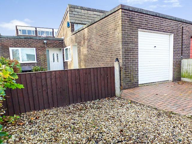 3 Bedrooms Bungalow for sale in Cranage Close, Halton Lodge, Runcorn
