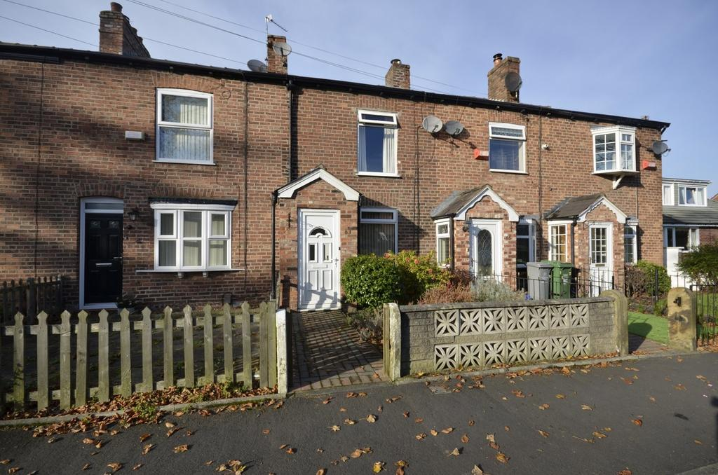 2 Bedrooms Terraced House for sale in Bloomsbury Lane, Timperley, Altrincham