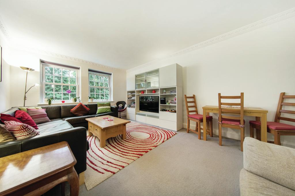 2 Bedrooms Flat for sale in Parkside, SW19