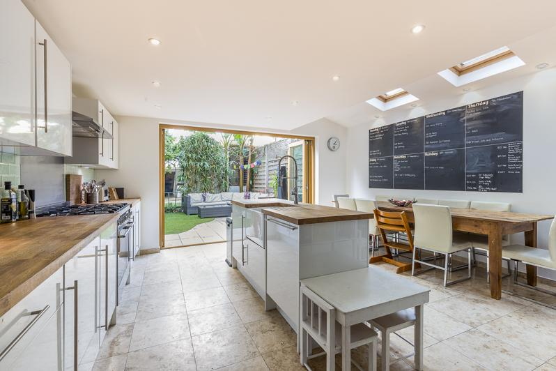 5 Bedrooms Terraced House for sale in Percy Road, London W12