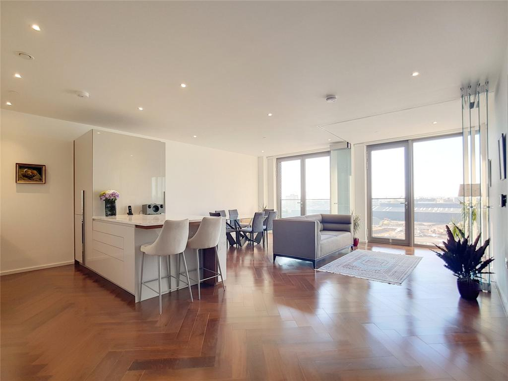 2 Bedrooms Flat for sale in New Union Square, London, SW11
