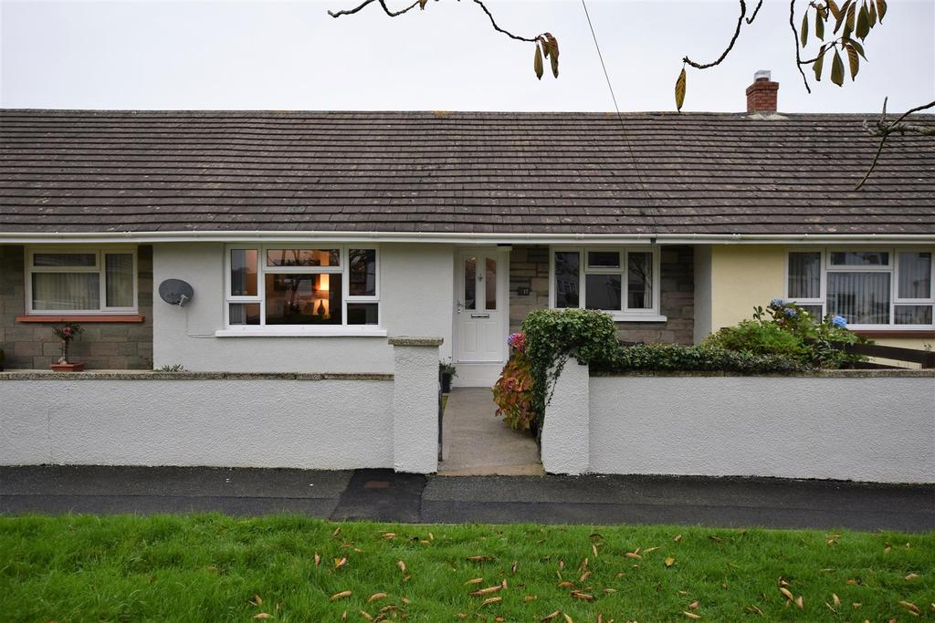 3 Bedrooms Cottage House for sale in St. Clements Park, Freystrop, Haverfordwest