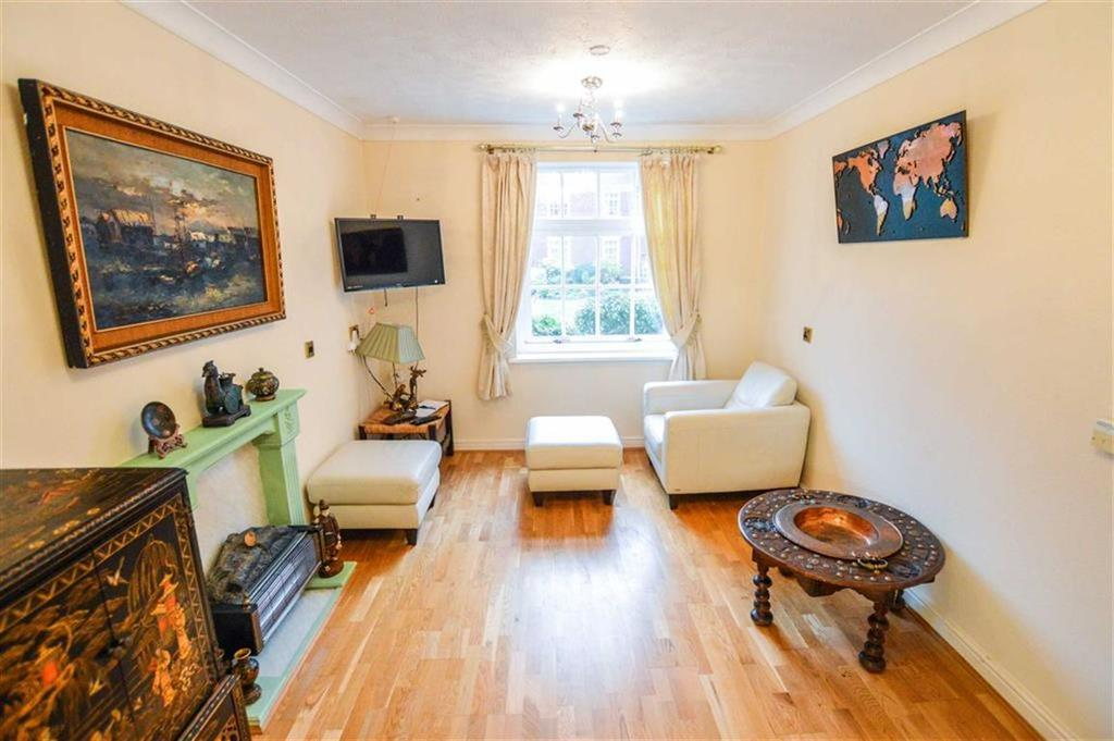 1 Bedroom Retirement Property for sale in St Andrews Court, Hale, Cheshire, WA15