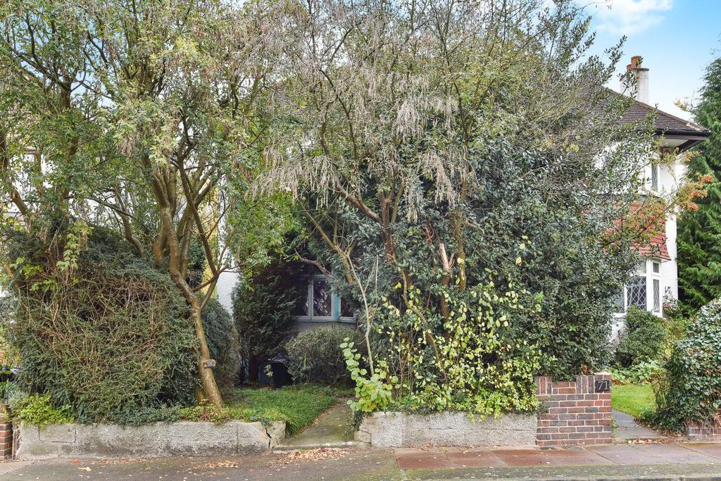 3 Bedrooms Semi Detached House for sale in Copse Avenue, West Wickham