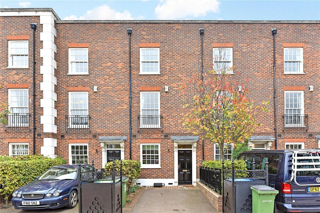 3 Bedrooms Terraced House for rent in Hastings Street, London