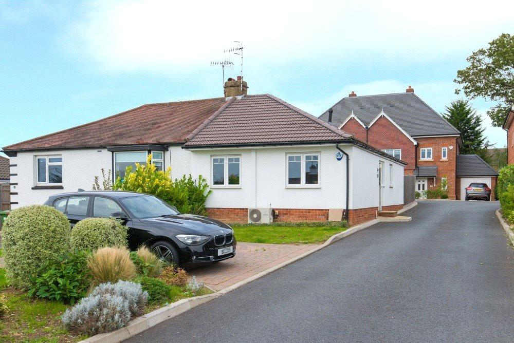 1 Bedroom Semi Detached Bungalow for sale in Woodcote Close, Bushey, Hertfordshire, WD23