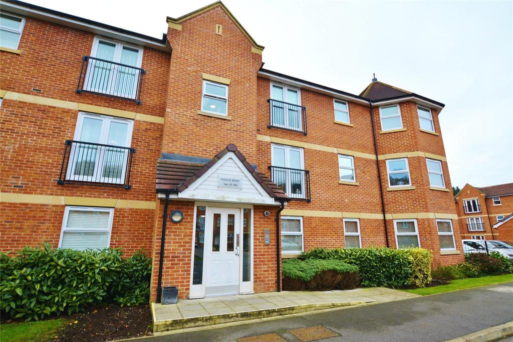 2 Bedrooms Apartment Flat for sale in Walton Road, Bushey, Hertfordshire, WD23