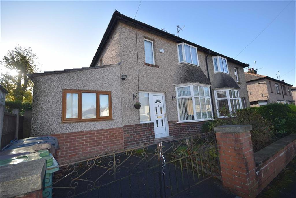 4 Bedrooms Semi Detached House for sale in Alma Avenue, Foulridge, Lancashire