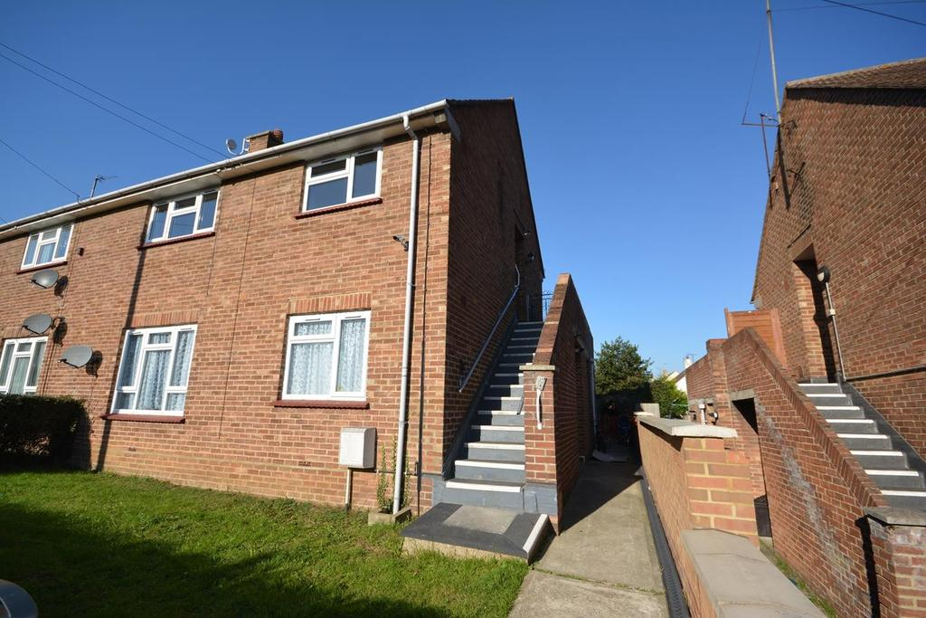 2 Bedrooms Apartment Flat for sale in Beech Avenue, Braintree, Essex, CM7