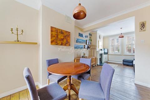 Bed Houses For Sale In Stoke Newington