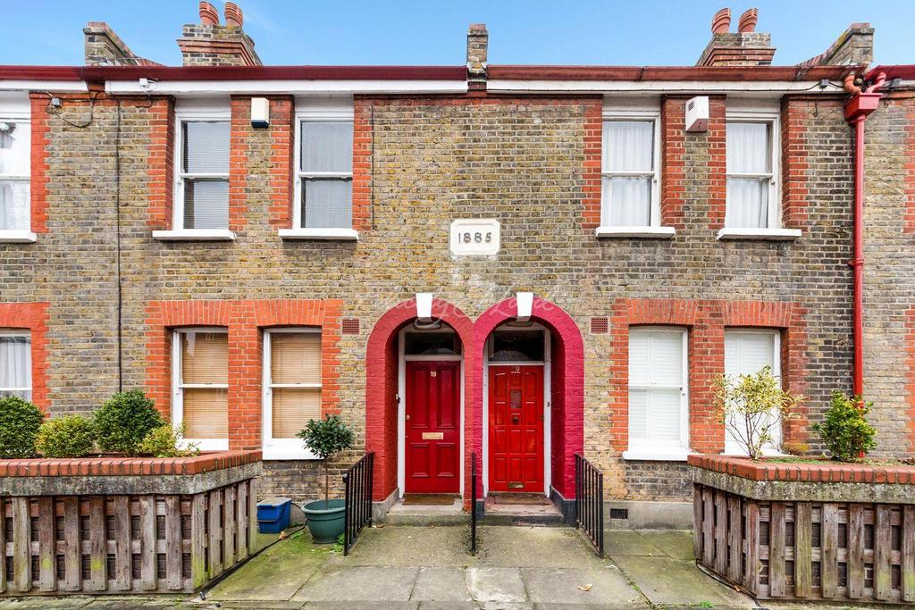 2 Bedrooms Terraced House for sale in Perch Street, Hackney, E8