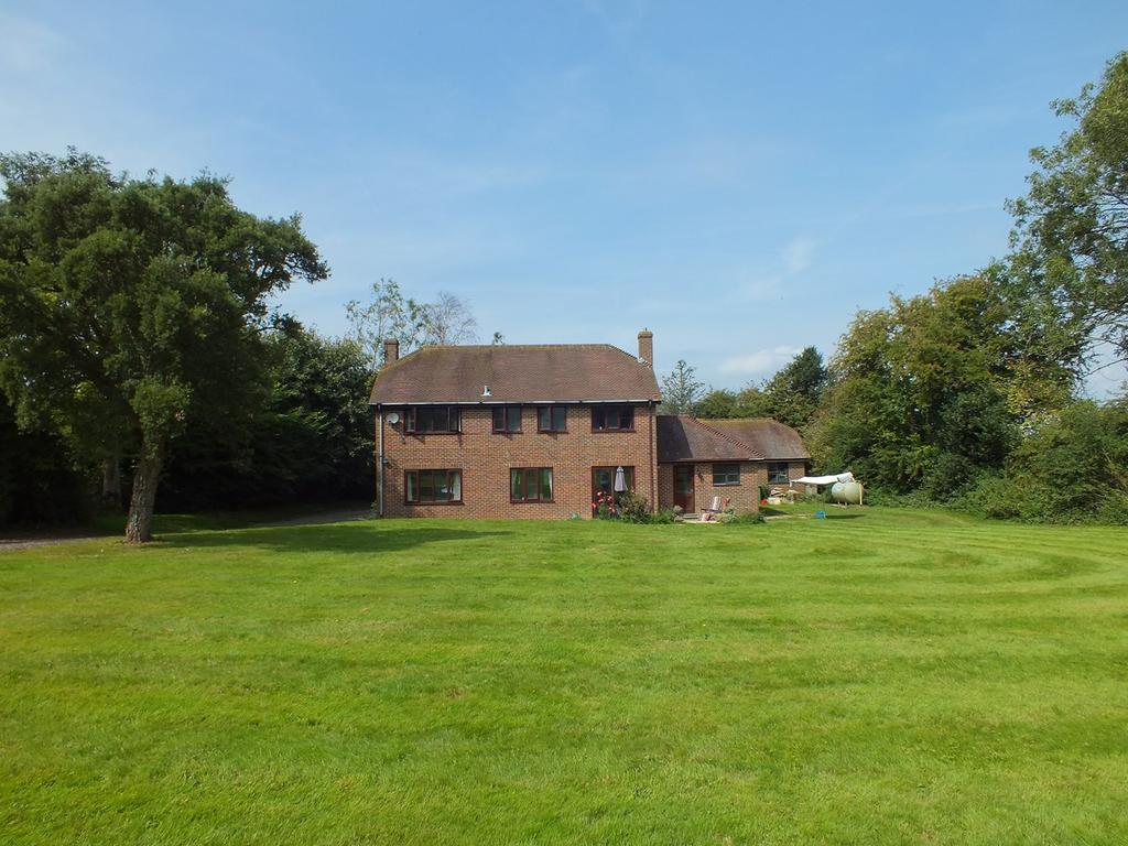 4 Bedrooms Detached House for sale in Lymbridge Green, Stowting, Ashford, TN25