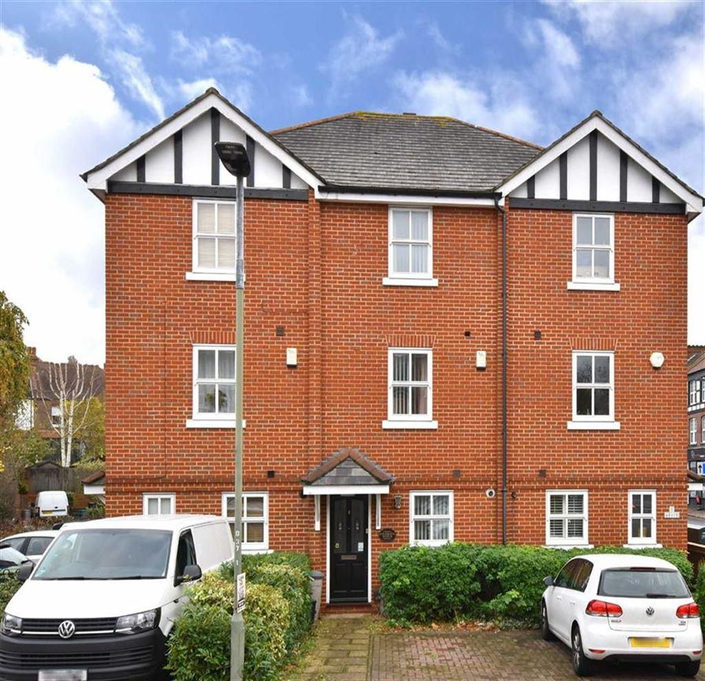4 Bedrooms Town House for sale in Dairy Close, Bromley, Kent