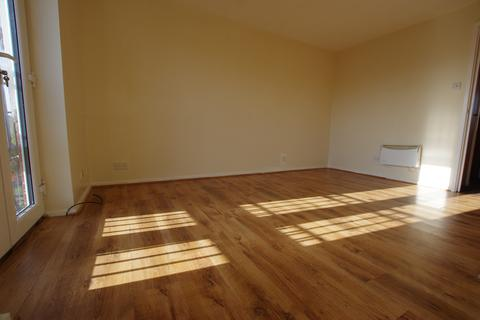 2 bedroom flat to rent - MALLARD COURT, BRADFORD, WEST YORKSHIRE, BD8 0NU