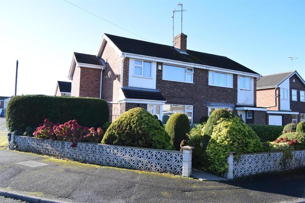 3 Bedrooms Semi Detached House for sale in Sandgate Avenue, Mansfield Woodhouse, Mansfield
