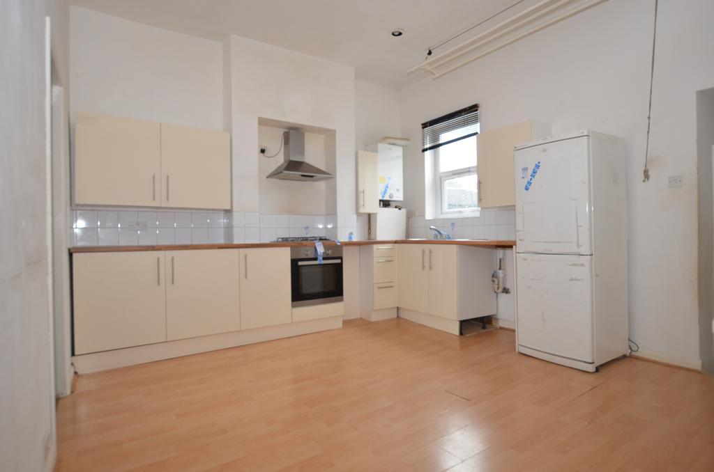 2 Bedrooms Flat for sale in Wastdale Road London SE23