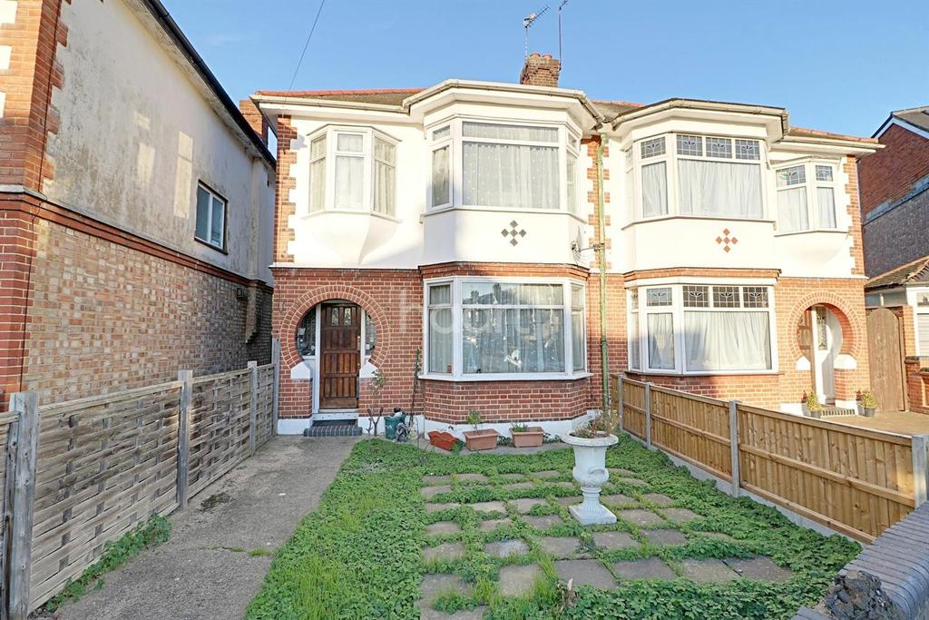 3 Bedrooms Semi Detached House for sale in Orchard Crescent, Enfield, EN1
