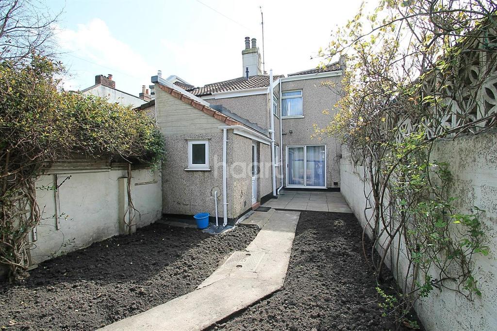 2 Bedrooms Semi Detached House for sale in Bower Ashton Terrace, Ashton Gate, Bristol
