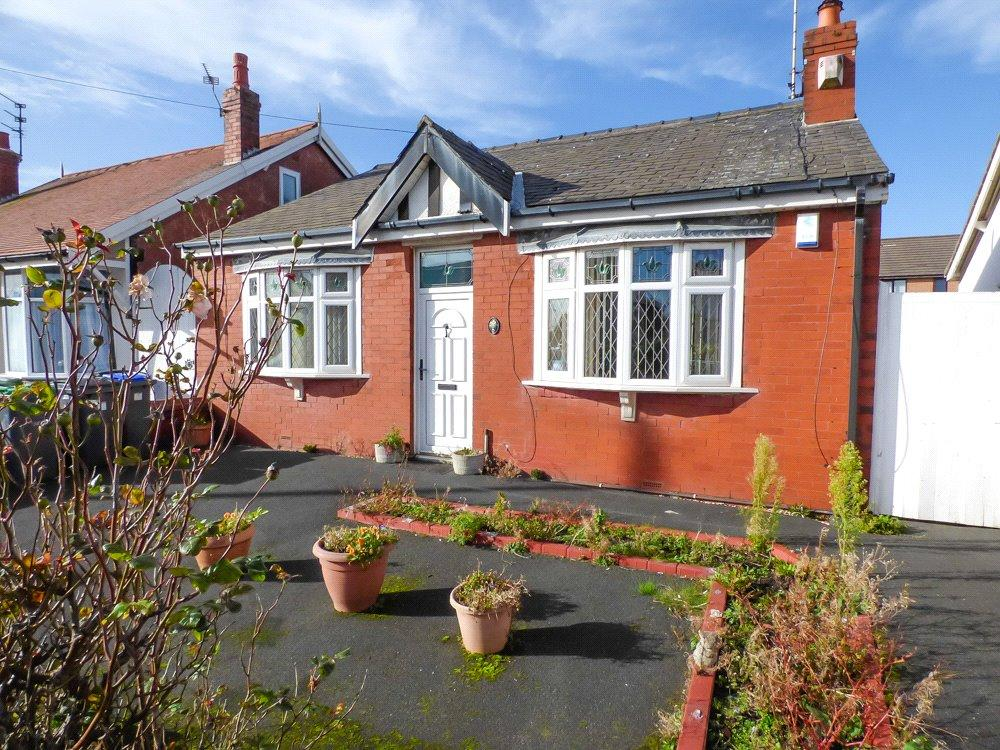 2 Bedrooms Detached Bungalow for sale in Lightwood Avenue, South Shore, Blackpool