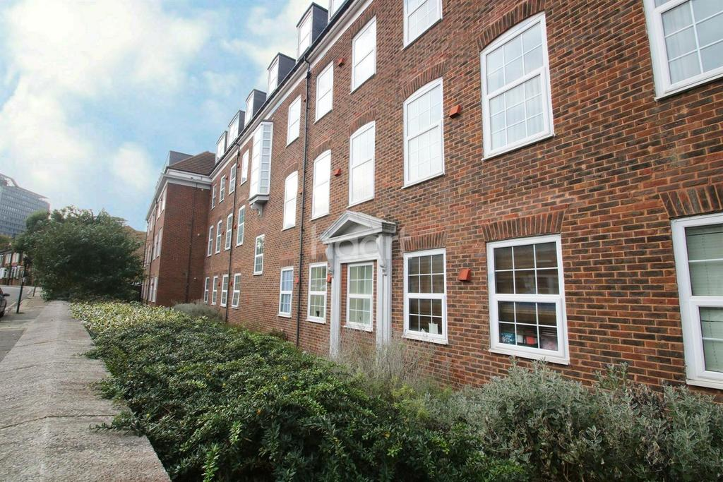 2 Bedrooms Flat for sale in Glenhurst Road, South Ealing Borders