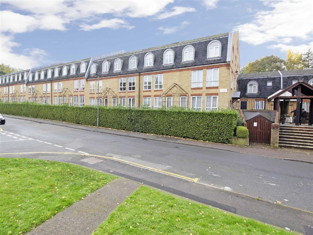 2 Bedrooms Flat for sale in Riverside Walk The Alders, West Wickham