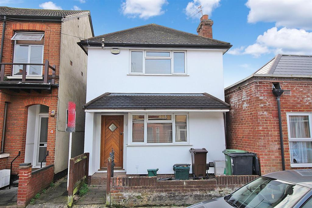 3 Bedrooms Detached House for sale in Burnham Road, St. Albans