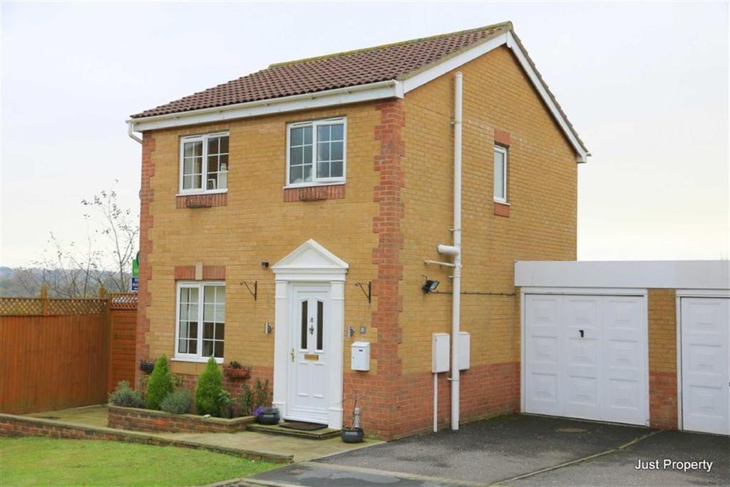 3 Bedrooms Link Detached House for sale in Sandringham Heights, St Leonards On Sea