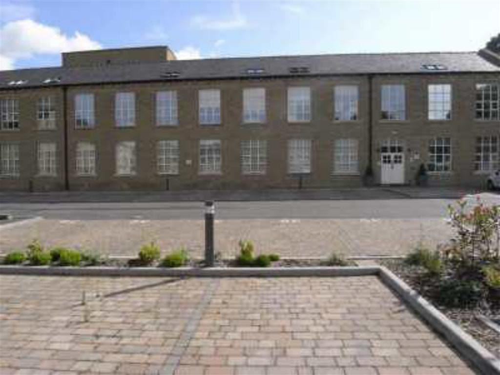 2 Bedrooms Duplex Flat for sale in The Park, Kirkburton, Huddersfield, HD8