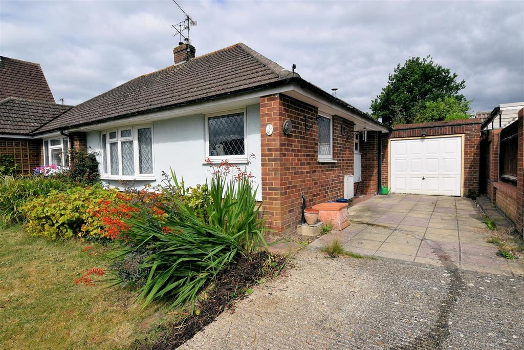 2 Bedrooms Semi Detached Bungalow for sale in Ashbury Drive, Tilehurst, Reading