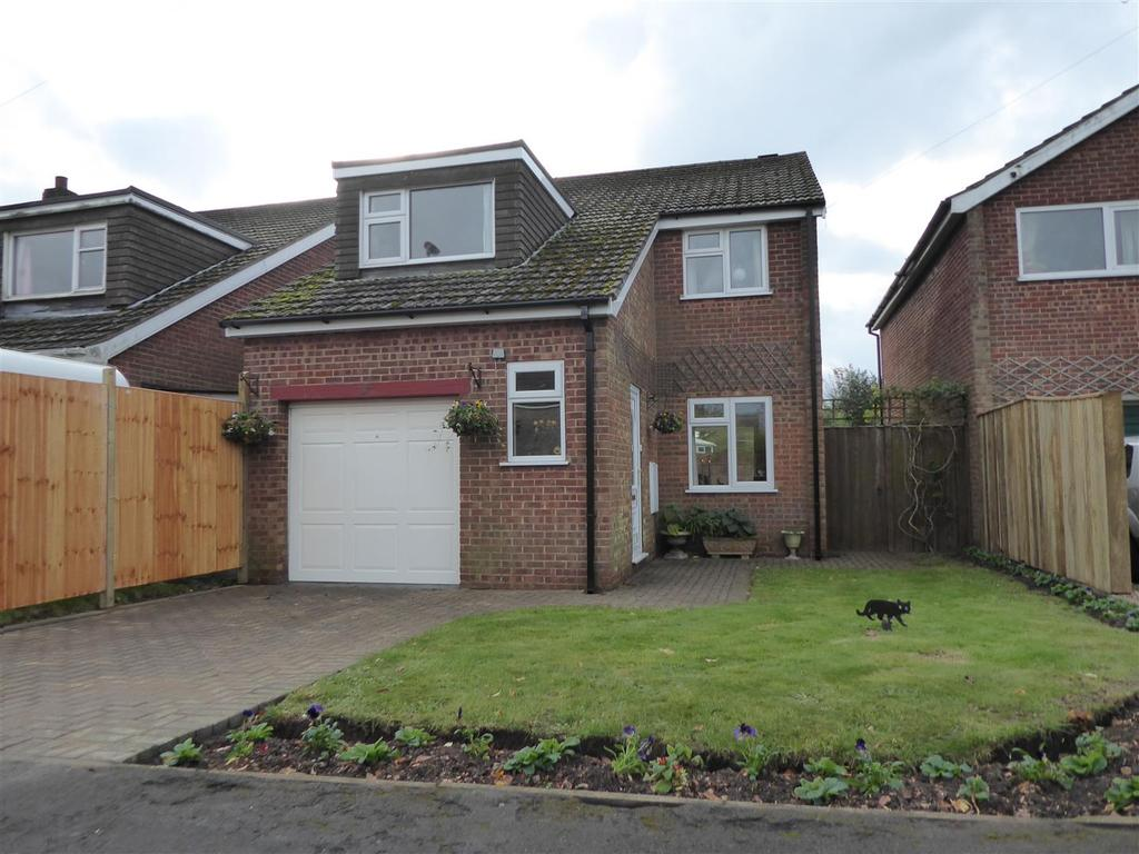 3 Bedrooms Detached House for sale in Rowan Close, Keelby