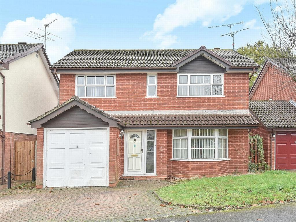 4 Bedrooms Detached House for sale in Sandhurst, Berkshire