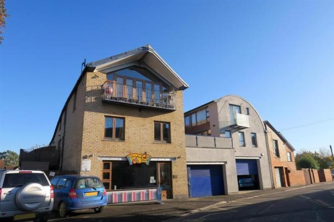 2 Bedrooms Flat for sale in Portalnd Place, Taunton TA1