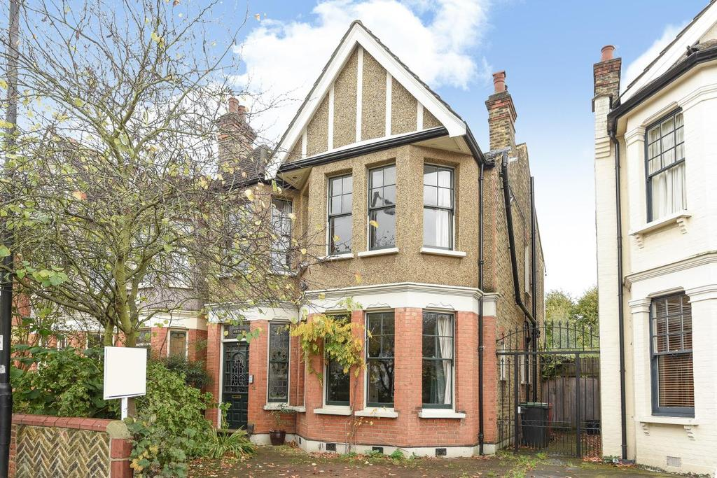 5 Bedrooms Semi Detached House for sale in The Mall, Southgate