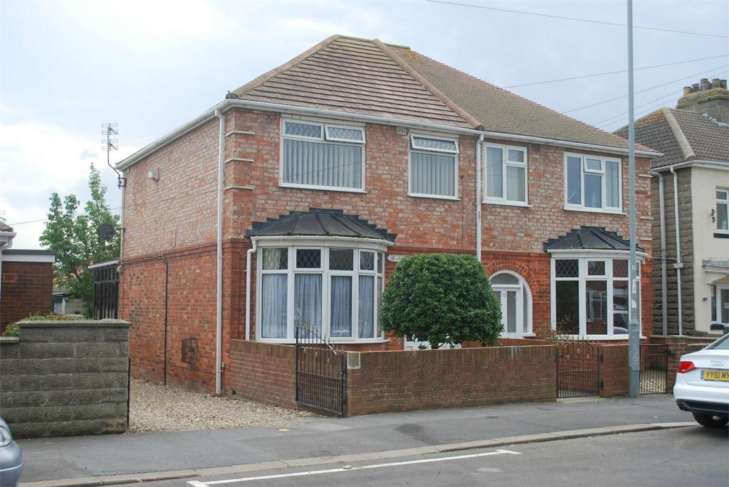 3 Bedrooms Semi Detached House for sale in Hull Road, Withernsea, East Riding of Yorkshire
