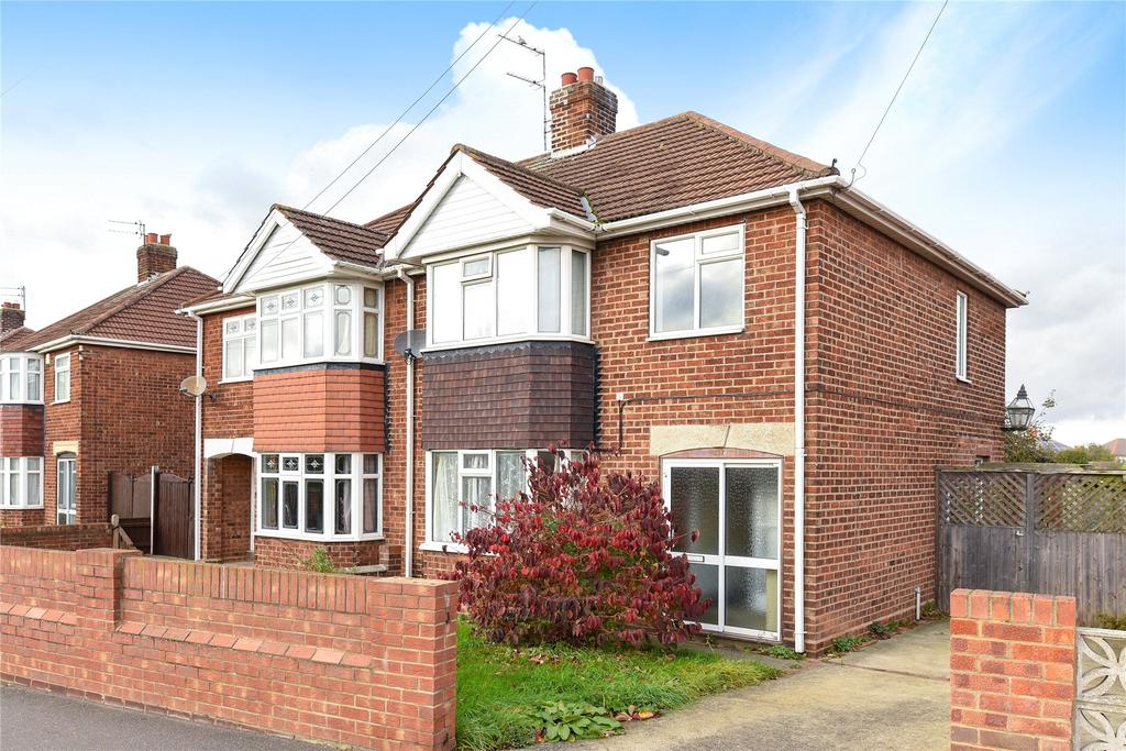 3 Bedrooms Semi Detached House for sale in Littlefield Lane, Grimsby, DN34