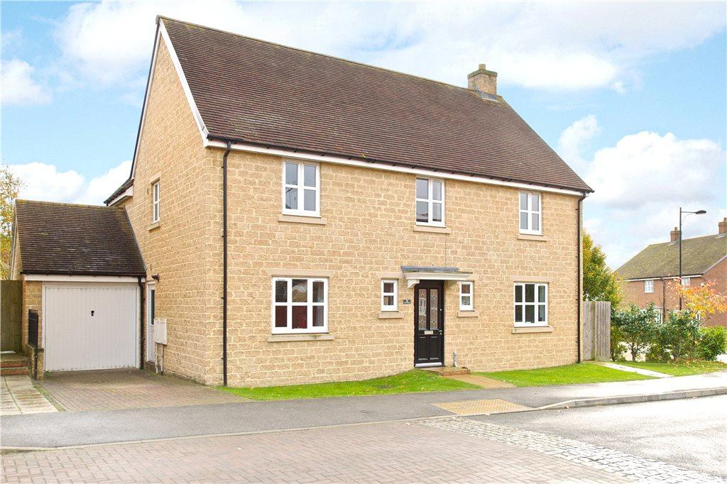 4 Bedrooms Detached House for sale in Cross's Grange, Hartwell, Northamptonshire