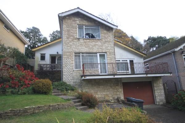 4 Bedrooms Detached House for sale in Benellen Avenue, Talbot Woods, Bournemouth