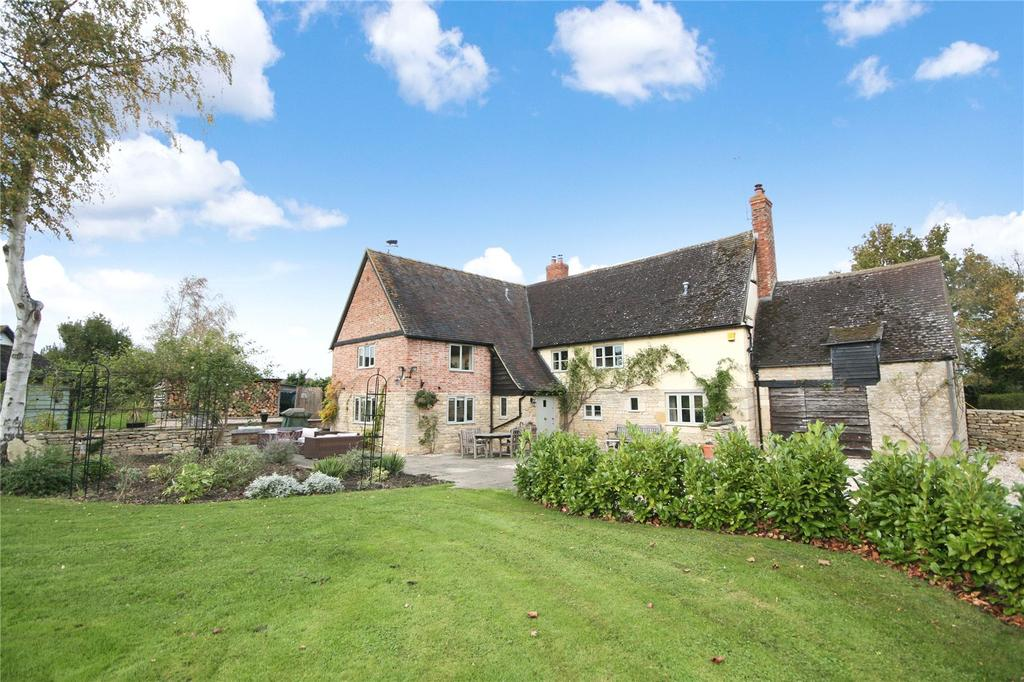 4 Bedrooms Detached House for sale in Oxenton, Cheltenham, GL52