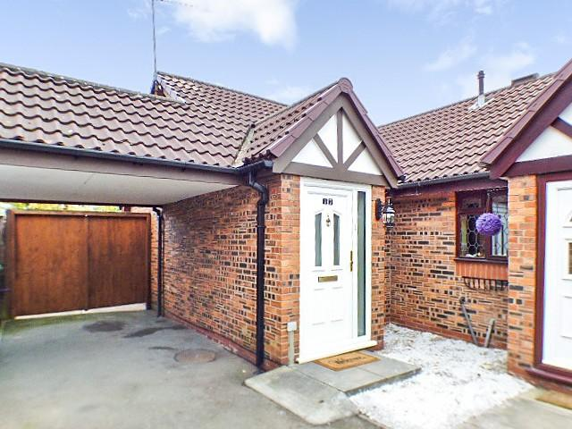 2 Bedrooms Bungalow for sale in Ivychurch Mews, Runcorn