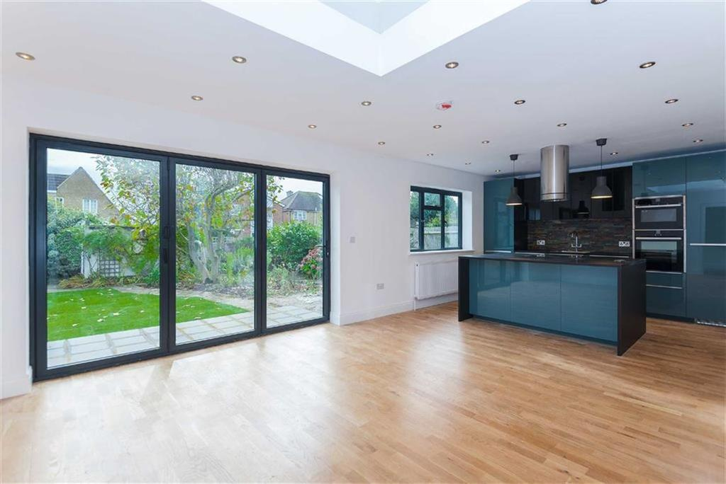 4 Bedrooms Detached Bungalow for sale in Linden Avenue, Eastcote, Middlesex