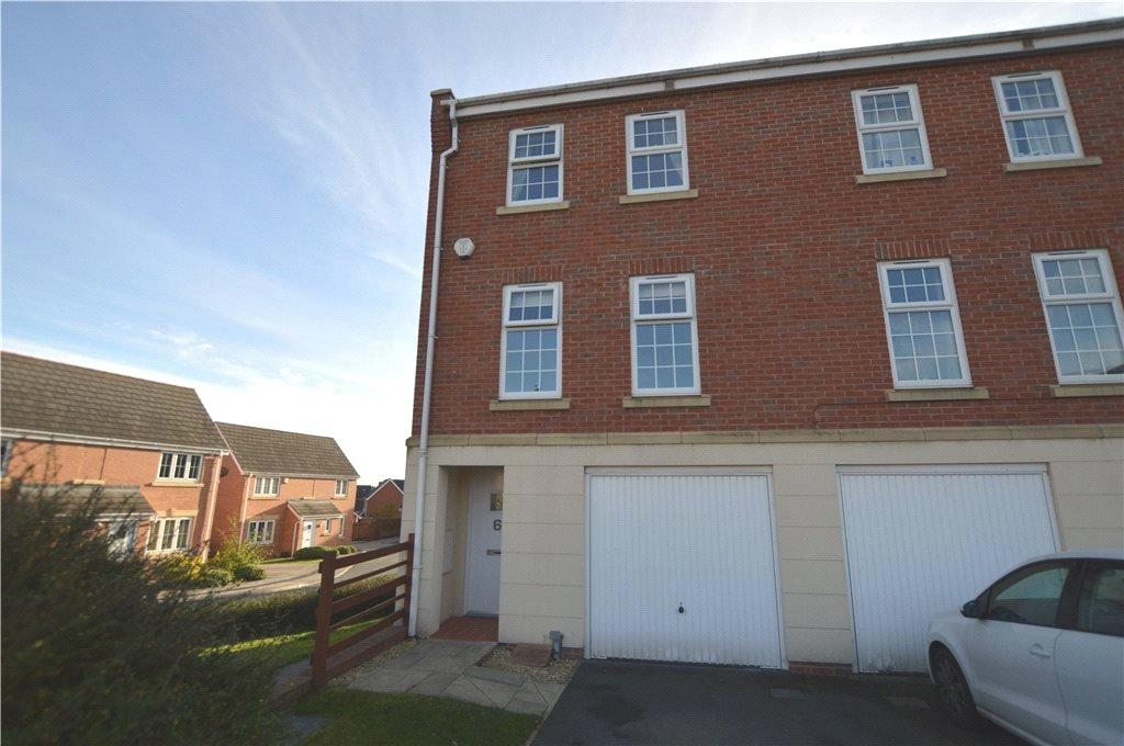 4 Bedrooms Semi Detached House for sale in Lee Edge, Leeds